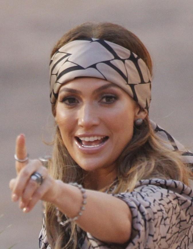 Jennifer Lopez et son headband foulard