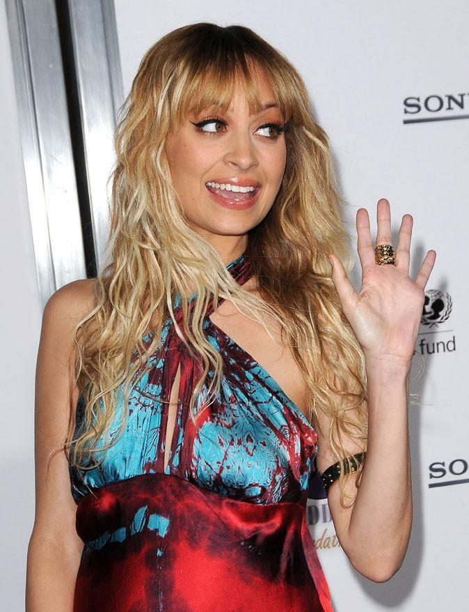 Les cheveux crantés et l'eye-liner de Nicole Richie en Mars 2009 !