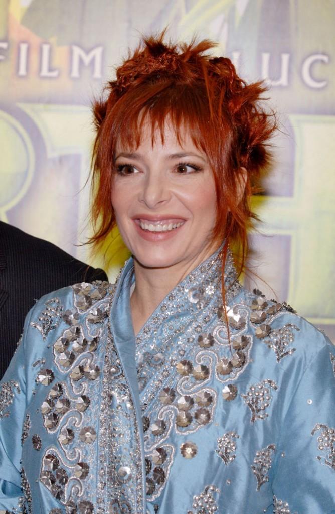 Coloration de star : les cheveux roux de Mylène Farmer en 2006