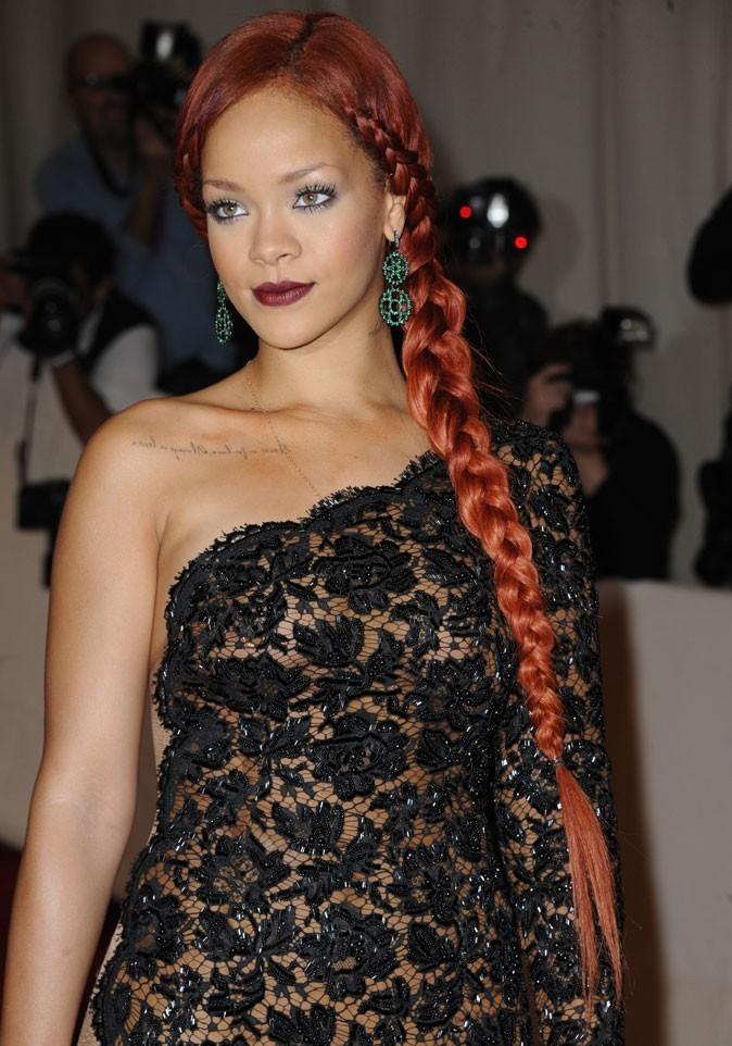 Coloration de star : les cheveux roux de Rihanna en 2011