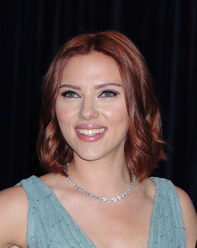 Coloration de star : les cheveux roux de Scarlett Johansson en 2011