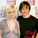 James McAvoy eet Kelly Osbourne