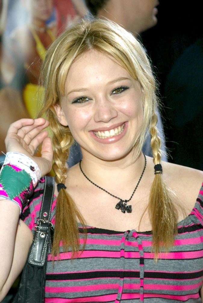 Hilary Duff en 2002 : s'est-elle fait refaire les dents ?
