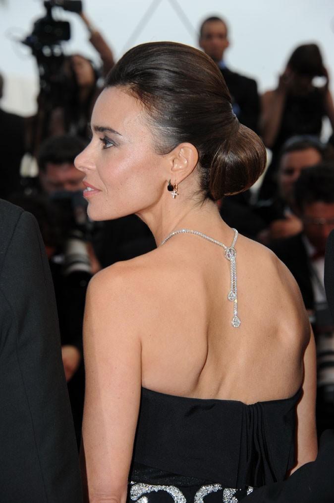 Coiffure de star au Festival de Cannes 2011 : le chignon coque d'Elodie Bouchez