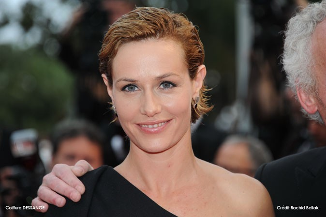 Coiffure de star au Festival de Cannes 2011 : le wet look sur cheveux courts de Cécile de France