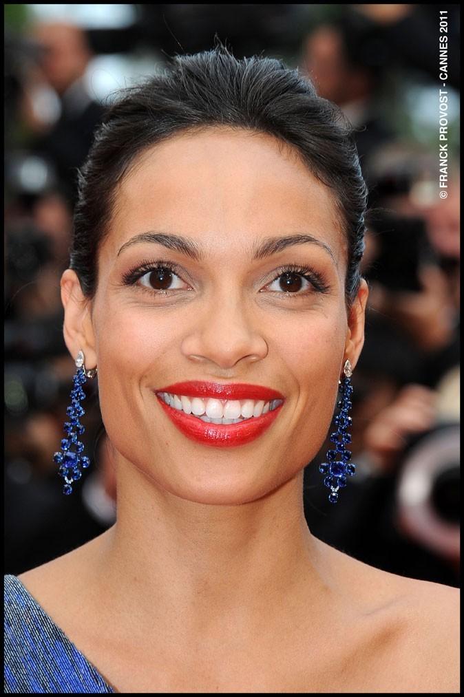 Maquillage de star au Festival de Cannes 2011 : le rouge à lèvres brillant de Rosario Dawson