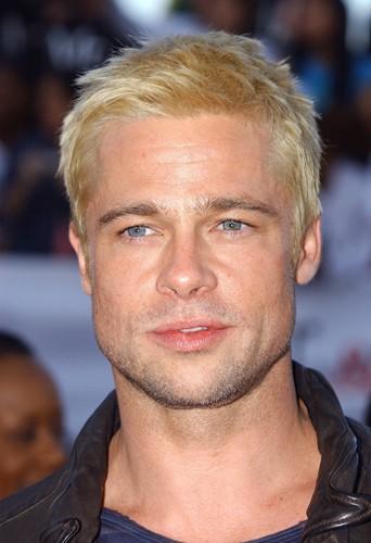 Brad Pitt, même sur lui, le blond platine c'est pas ça !
