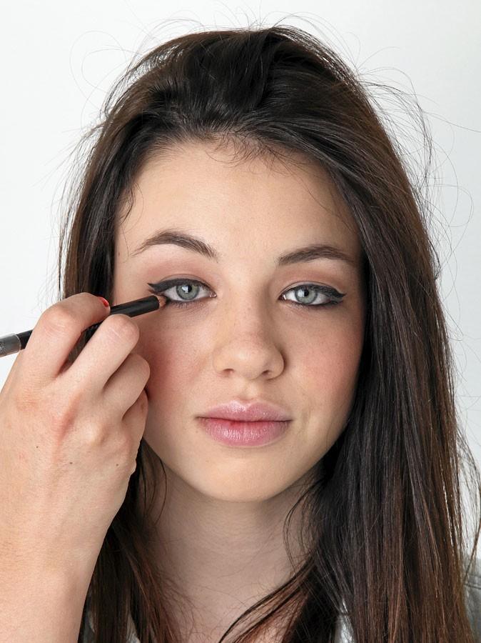 Maquillage d'AnnaLynne McCord : mode d'emploi du crayon noir