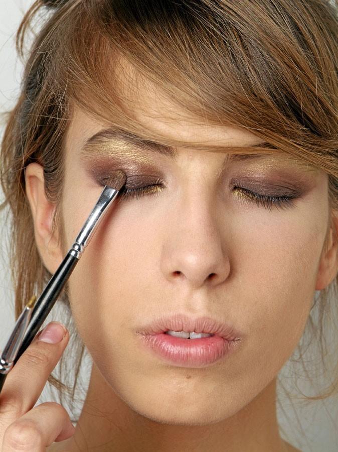 Maquillage de Scarlett Johansson : Mode d'emploi du fard à paupières