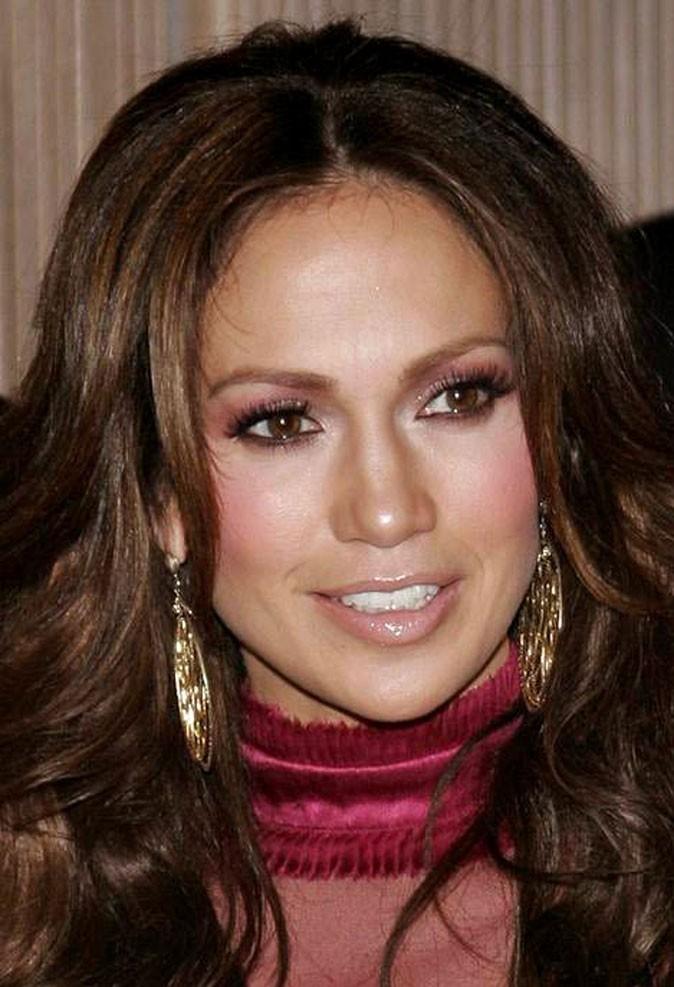 Maquillage de Jennifer Lopez : un fard à paupières rose