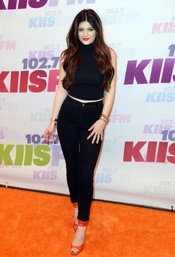 Kylie Jenner : 56 kg pour 1,75 m !