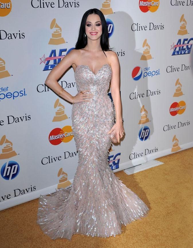 Le vrai poids de Katy Perry : 56 kg pour 1,73 !