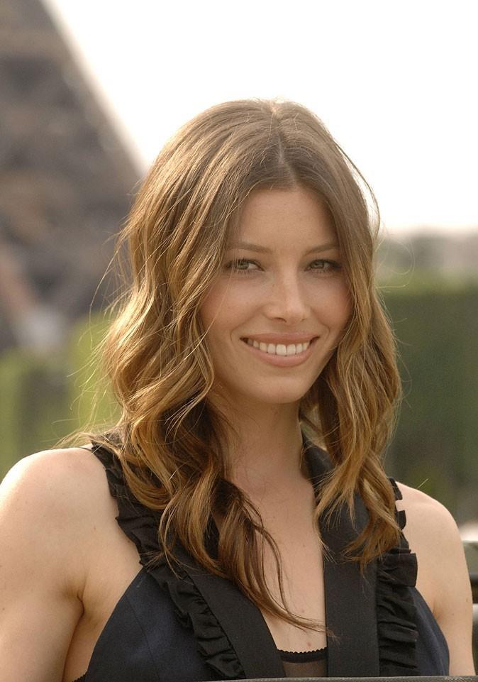Beauté de star : le maquillage nude de Jessica Biel