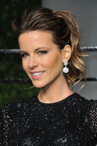 Oscars 2011 : la coiffure queue de cheval de Kate Beckinsale