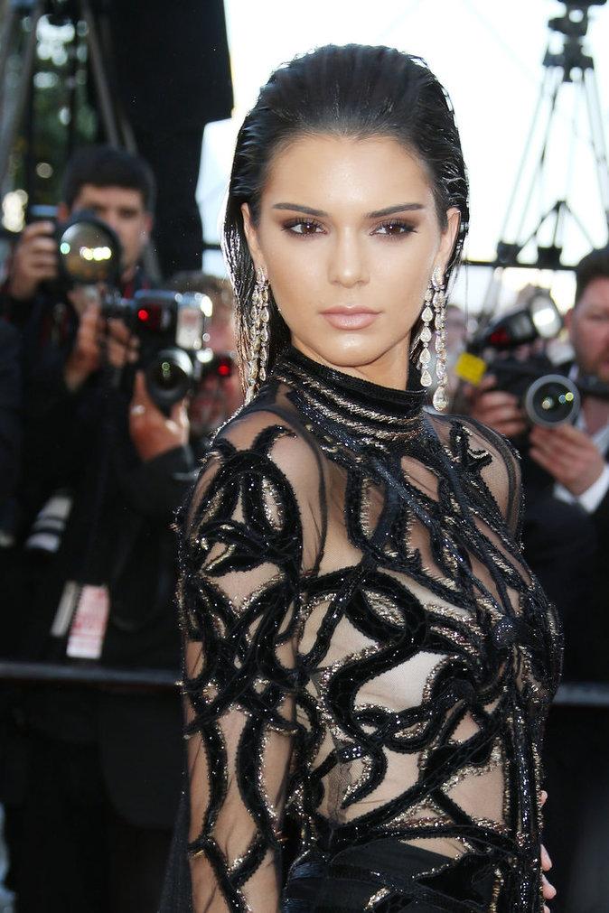 Le wet hair de Kendall Jenner