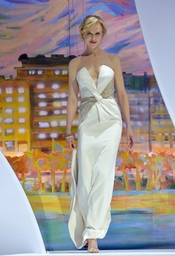 Nicole Kidman mesure 1,80 m !