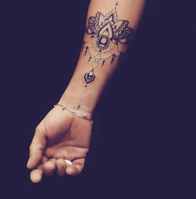 Tatouages pour le poignet : un joli dessin