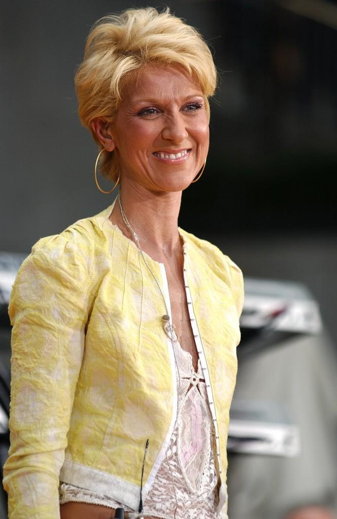 En 2003, elle est blonde platine !