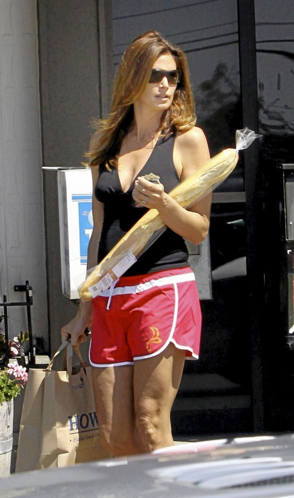 Photo : la cellulite sur les cuisses de Cindy Crawford