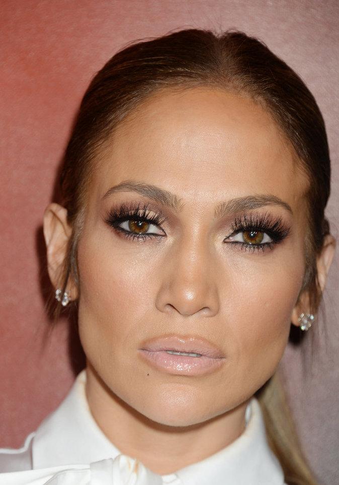 La bouche nude de Jennifer Lopez