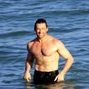 Photos stars sexy : Hugh Jackman, un loup garou à poil dur...