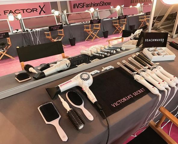 Photos : Victoria's Secret Fashion Show : Zoom sur le boucleur à 6000$ utilisé sur la crinière des tops !