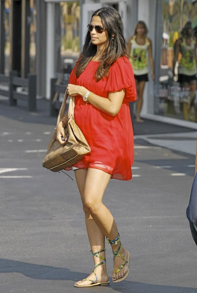 Spécial pieds : Camila Alves prend-elle soin de ses pieds ?