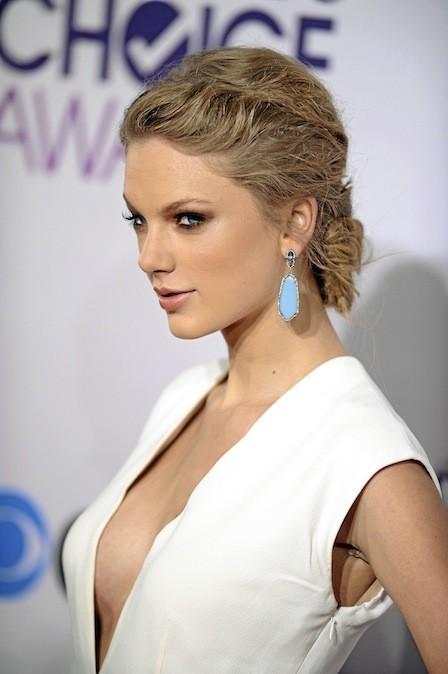 L'attache dans la nuque de Taylor Swift