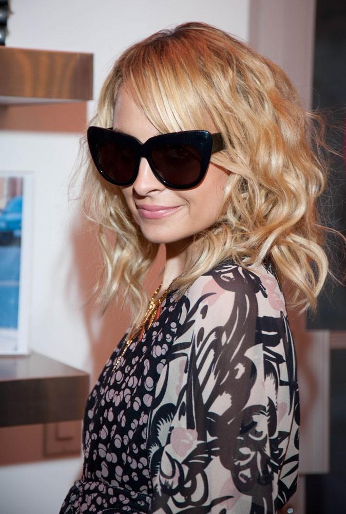 Les lunettes de soleil tendance papillon de Nicole Richie