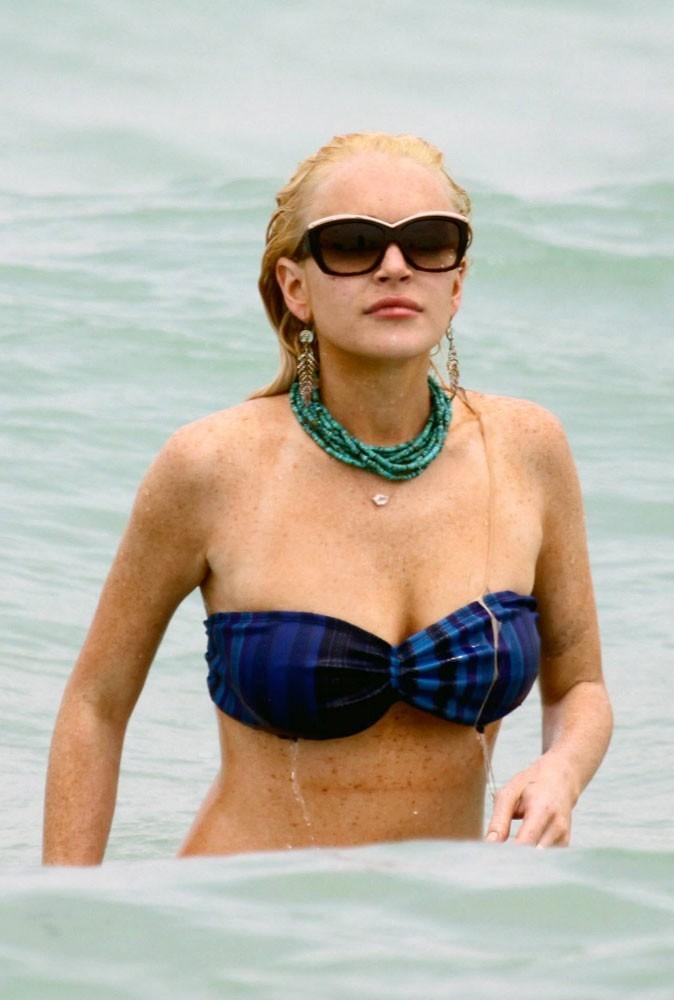Les lunettes de soleil tendance vintage de Lindsay Lohan