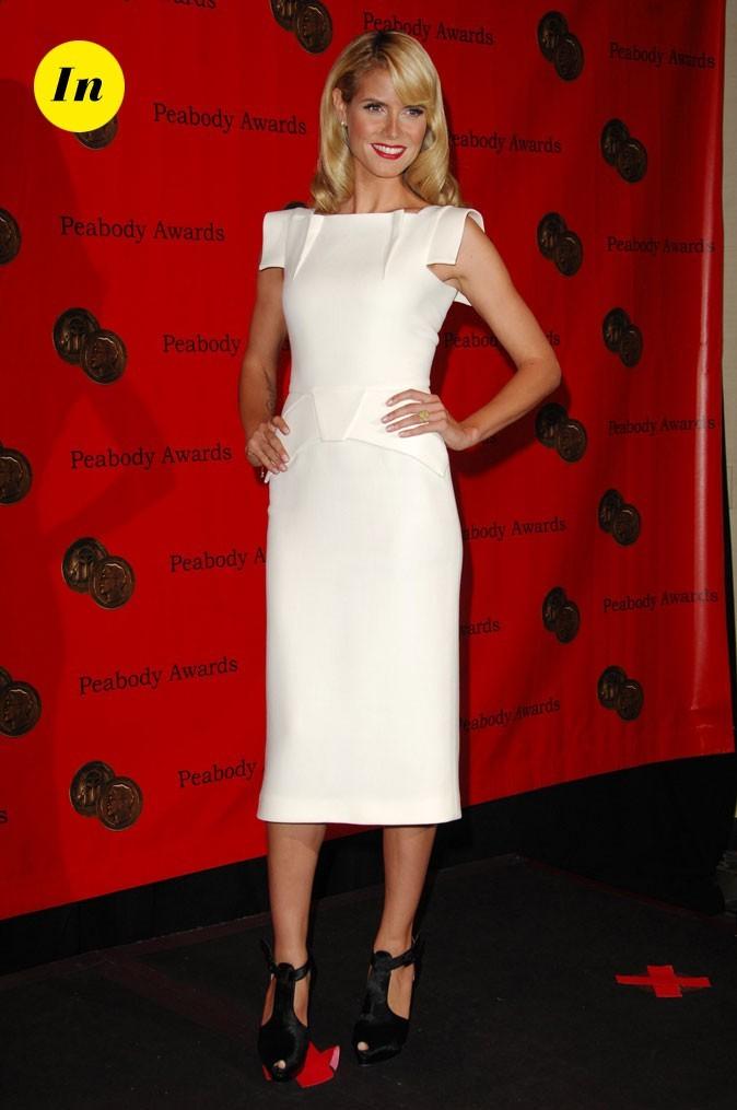 Une robe structurée très bien portée pour Heidi.