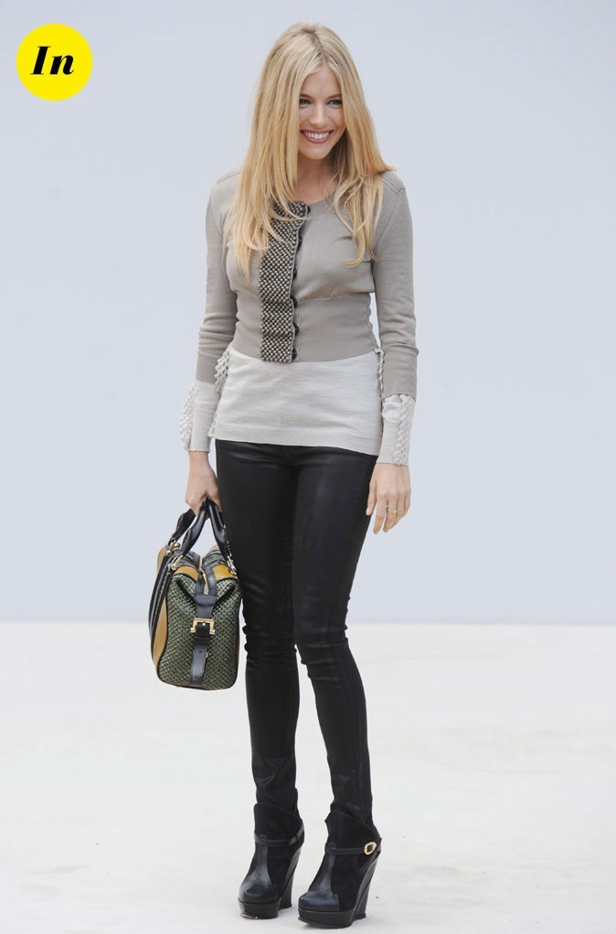 Fashion Week de Londres : Sienna Miller au défilé Burberry !