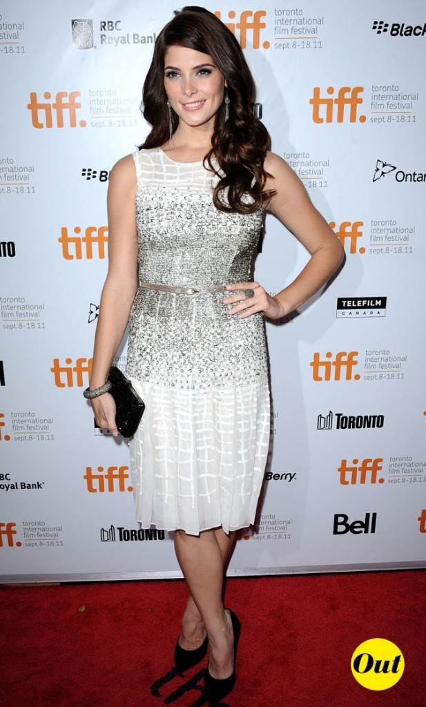 Festival du film de Toronto 2011 : la robe au genou irisée d'Ashley Greene !