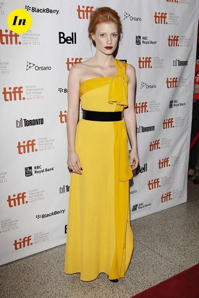 Festival du film de Toronto 2011 : la robe longue jaune ceinturée de Jessica Chastain !