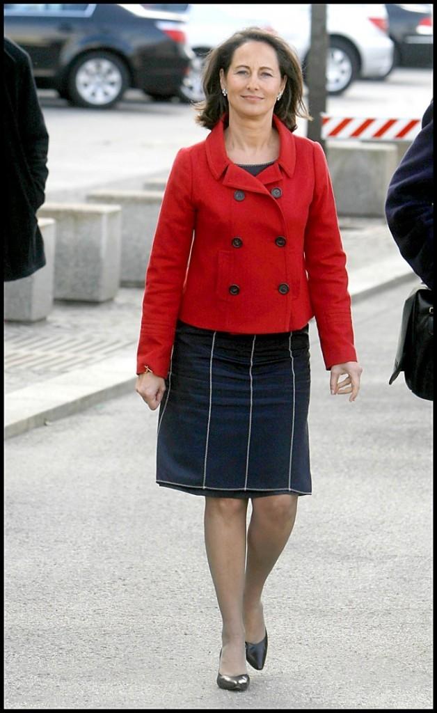 Ségolène Royal en rouge et marine
