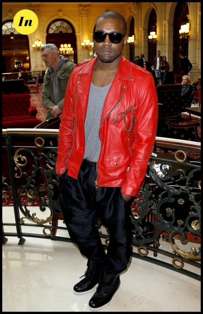 Kanye West : Sans faute avec son Perfecto rougedurant la fashion week parisienne