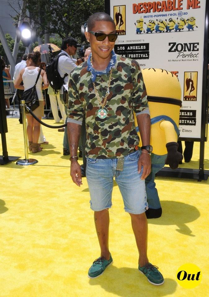 Pharrell Williams : Look de plage bling bling!