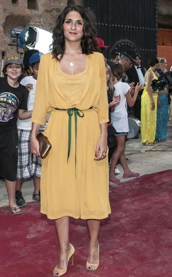 Une robe légère sur le tapis rouge du Festival du rire de Marrakech