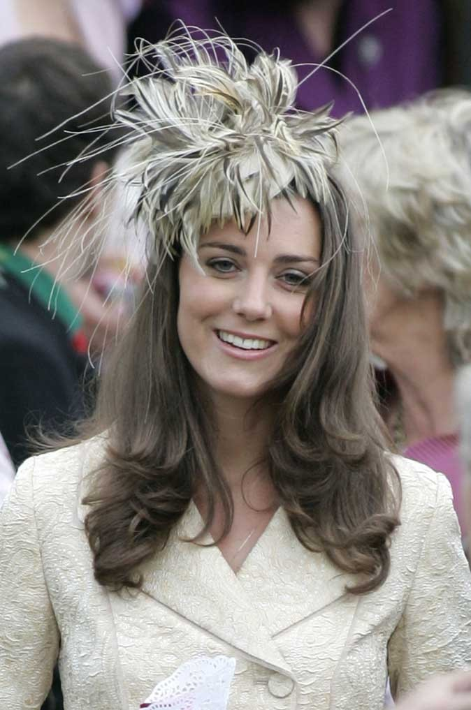 Look de star : le headband fleur de Kate Middleton en mai 2006