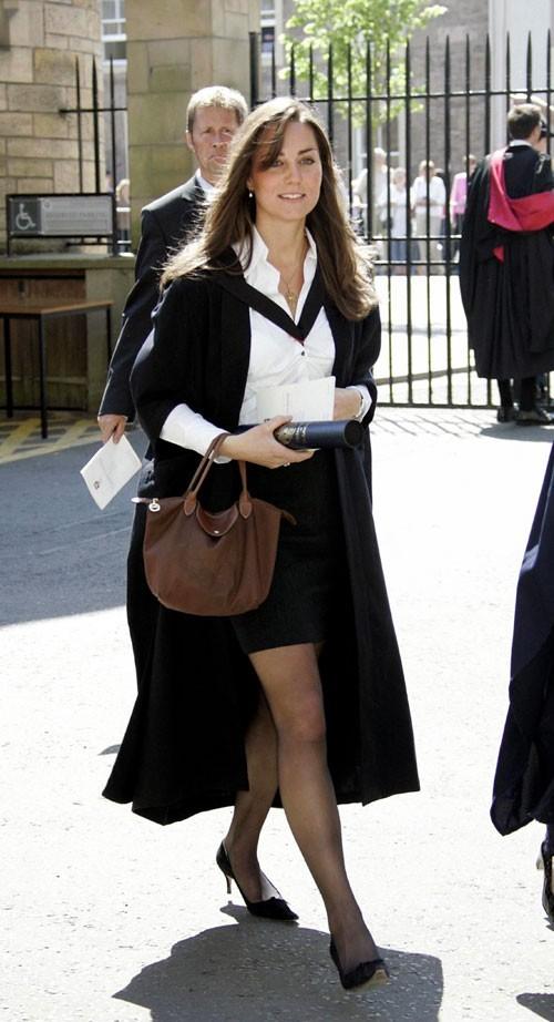 Look de star : le look working girl de Kate Middleton en novembre 2010