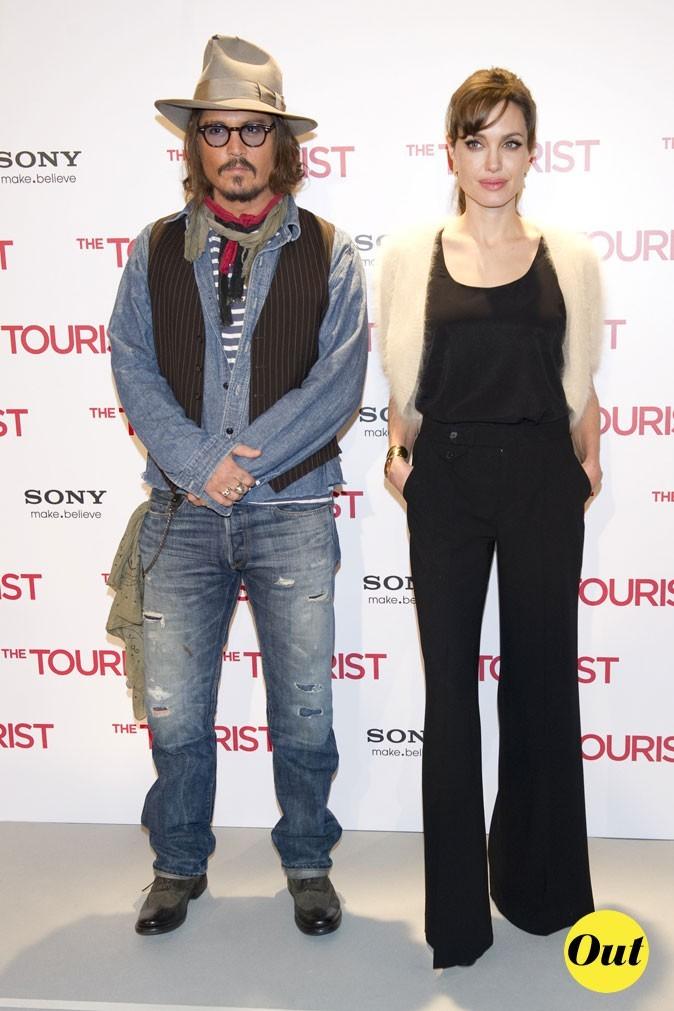Look de Johnny Depp : superpositions et jean grunge en 2010