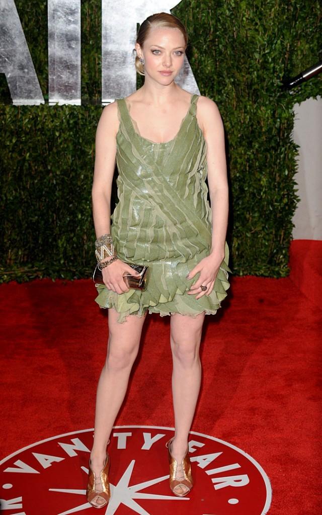 Look de star : la petite robe verte Valentino d'Amanda Seyfried