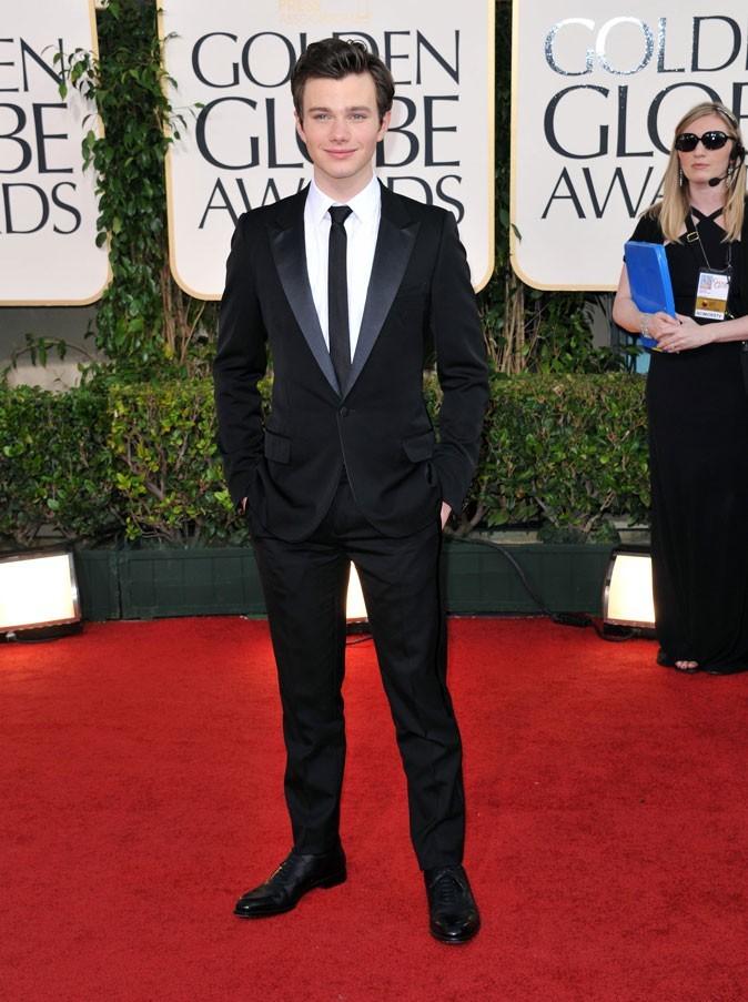 Les stars de Glee en mode glamour : le costume cravate chic de Chris Colfer
