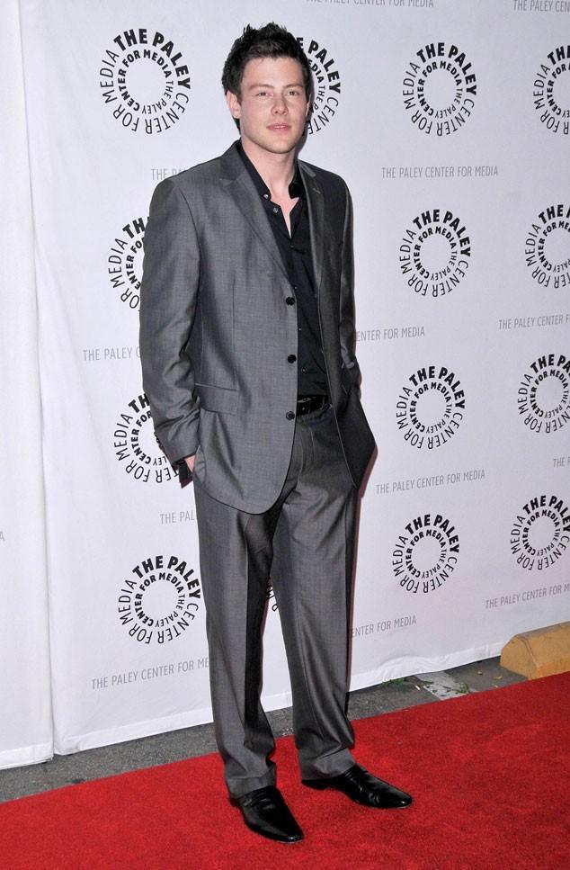 Les stars de Glee en mode glamour : le costume gris chic de Cory Monteith