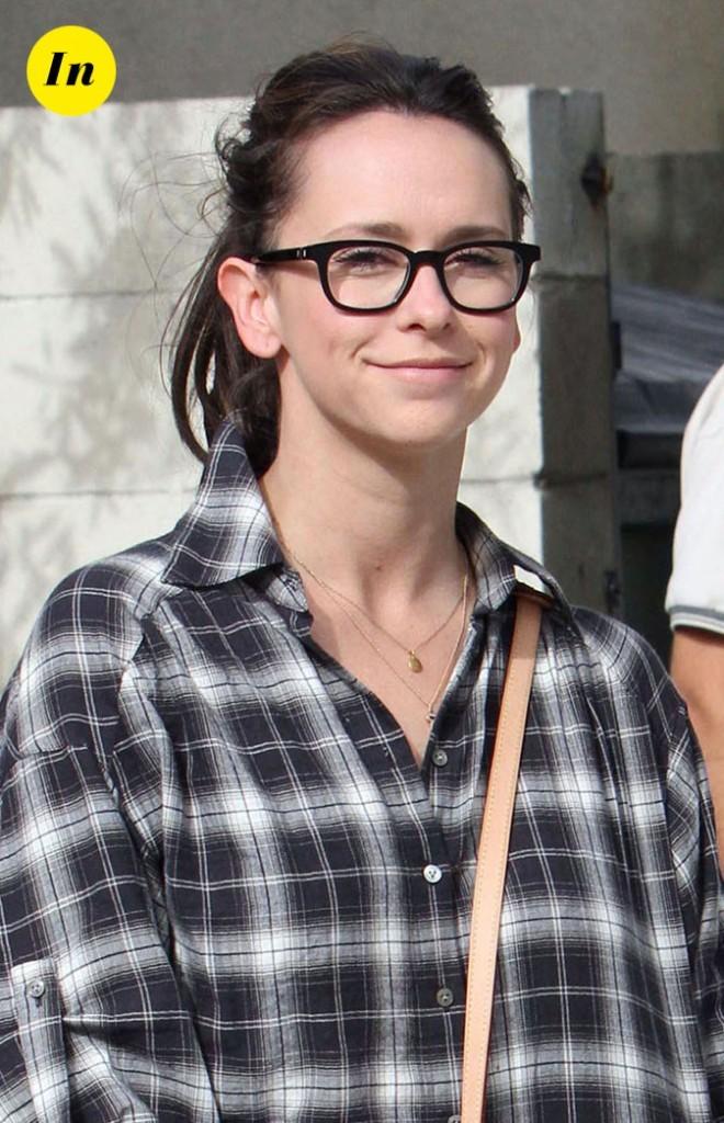 Les lunettes de vue tendance Wayfarer de Jennifer Love Hewitt