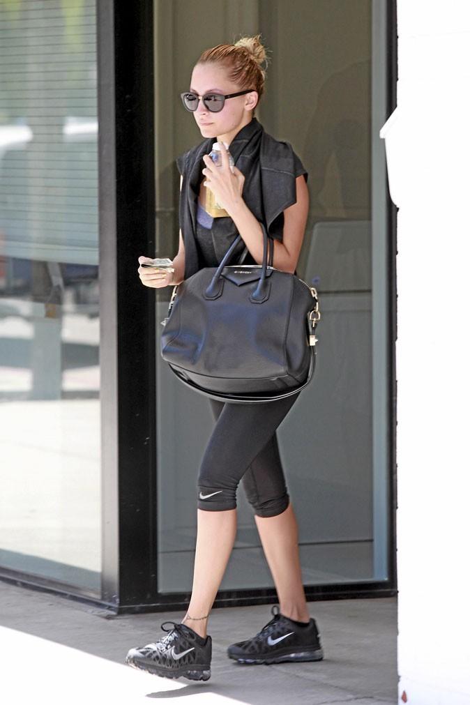 Nicole Richie avec le même sac que Zoe Saldana - Givenchy