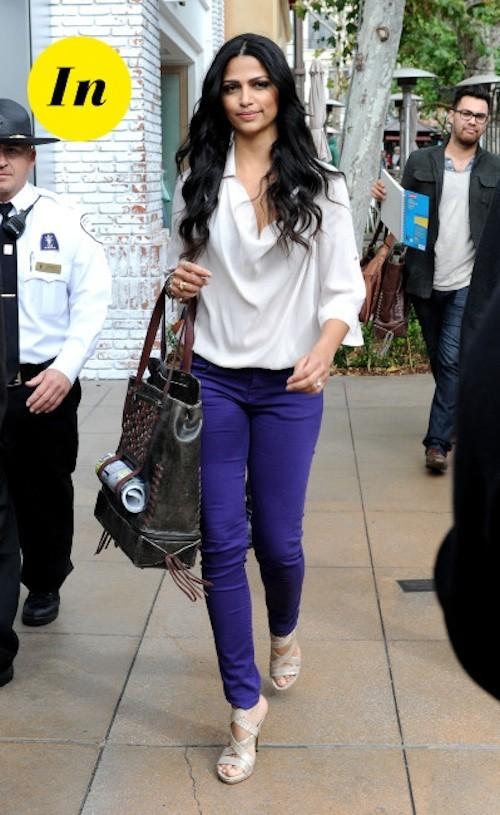 Camila Alves a trouvé la tenue parfaite pour aller flâner dans les rues parisiennes !