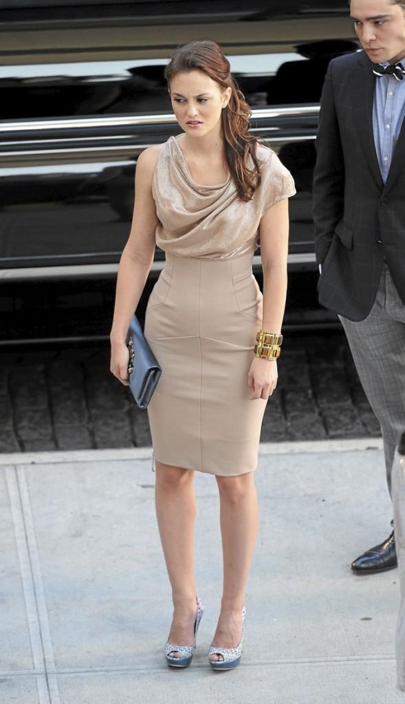 La jupe taille haute et le top satiné nude de Blair Waldorf !