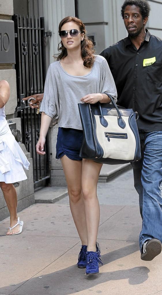 Le look short gris et mocassins à talons de Blair Waldorf !