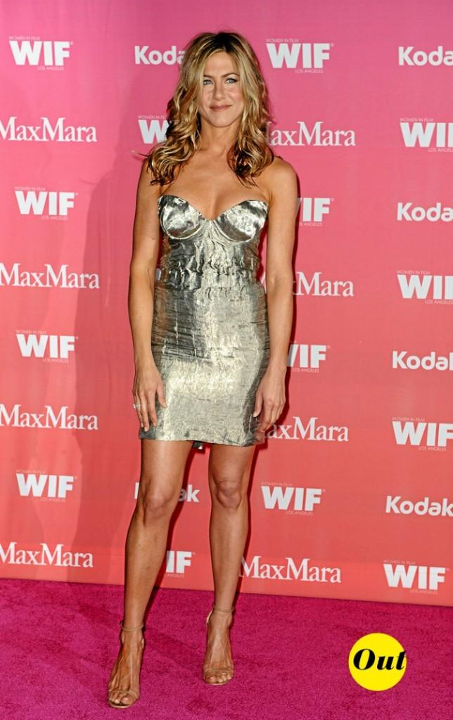 La mini-robe métallisée Prada de Jennifer Aniston en Juin 2009 !